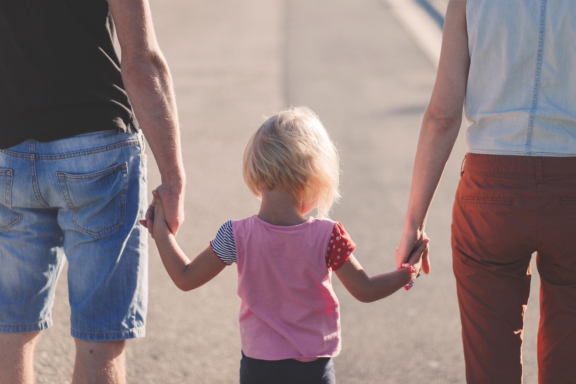 barn och föräldrar.jpg