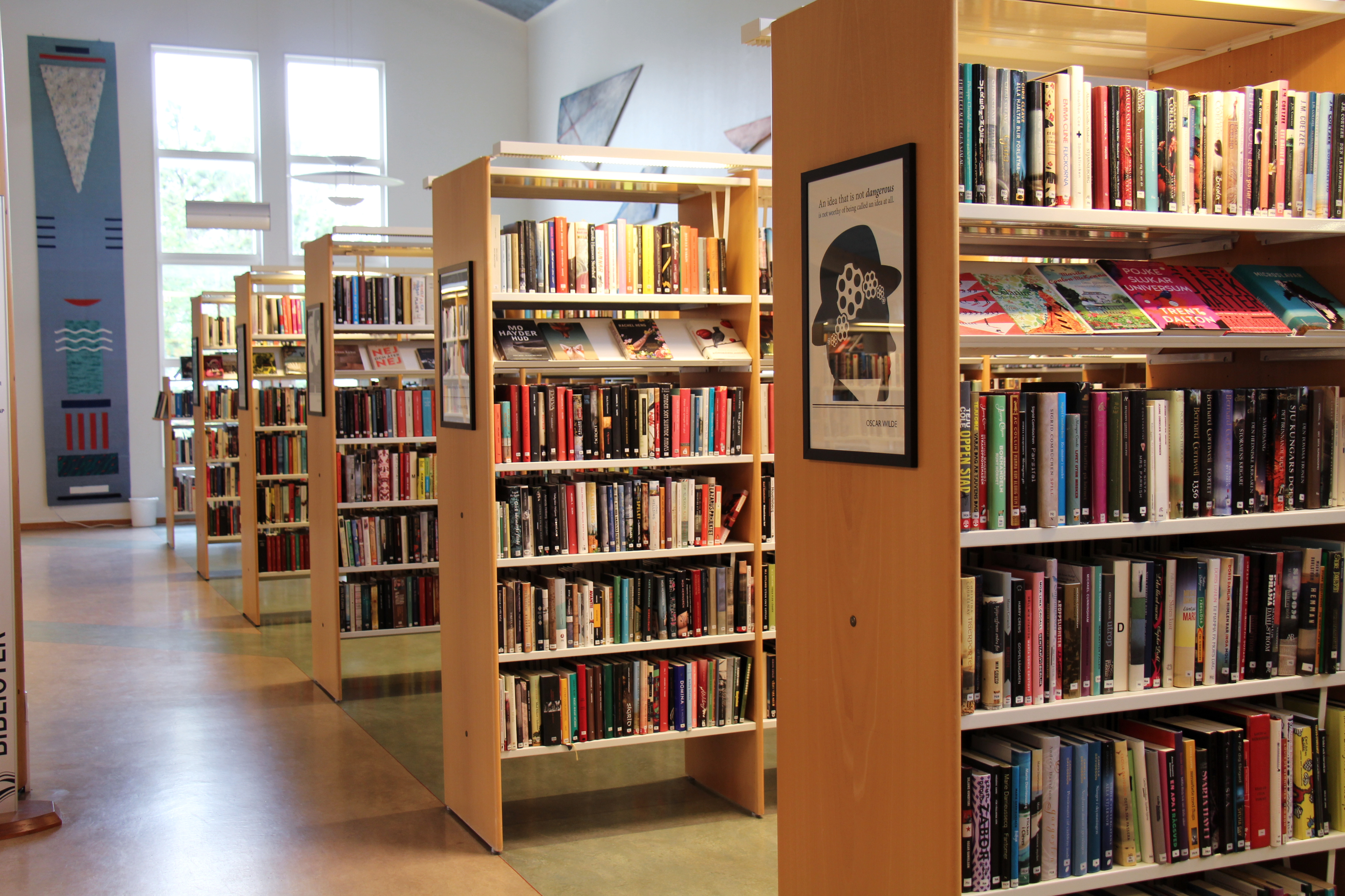 Öckerö bibliotek.jpg
